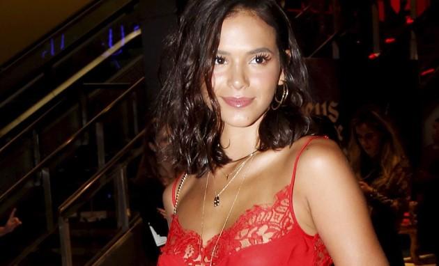 Bruna Marquezine ganha folga de novela e vai para a Rússia ver Neymar (Marcos Ramos )