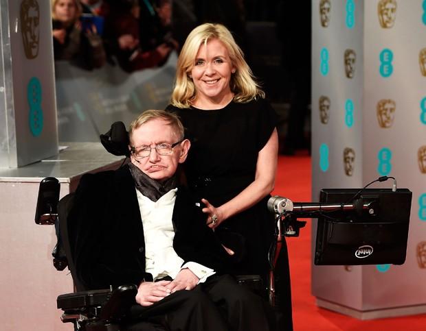 Stephen Hawking e sua filha, Lucy Hawking (Foto: Ian Gavan/Getty Images)