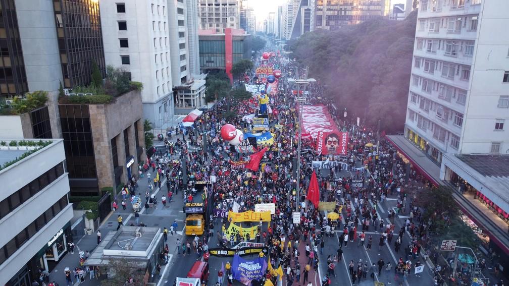 Protesto contra o presidente Jair Bolsonaro, na tarde deste sábado (24), na Avenida Paulista em São Paulo (SP) — Foto: RONALDO SILVA/FUTURA PRESS/ESTADÃO CONTEÚDO