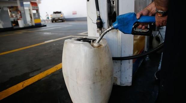 galão de gasolina (Foto: Reprodução/Agência Brasil)