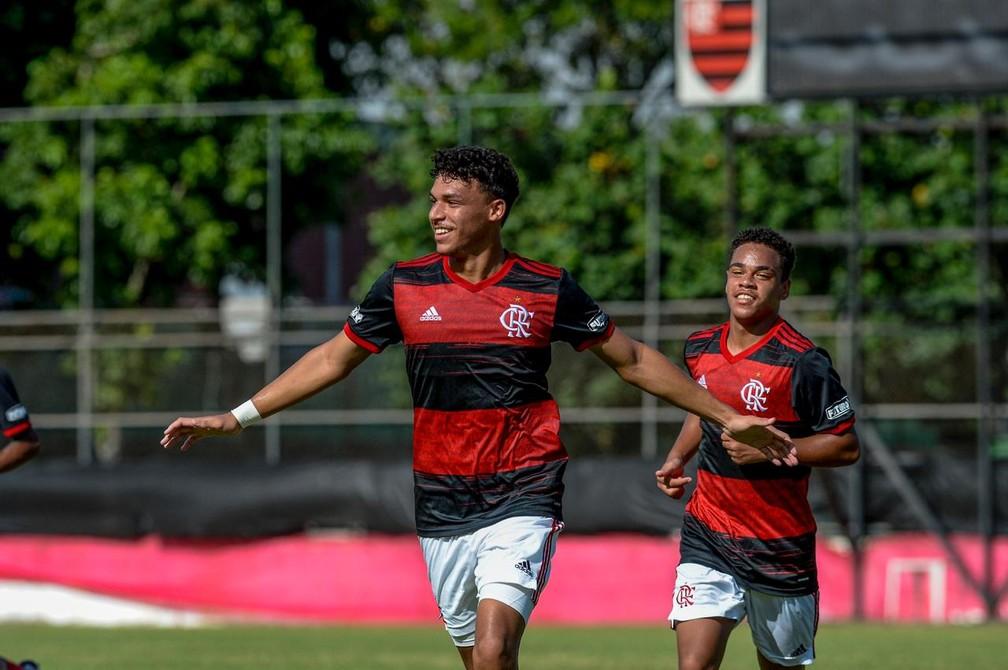 Camisa 10 do time sub-17 é arma do Flamengo contra o Flu na Copa do Brasil