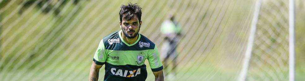 Norberto, lateral do América-MG (Foto: Mourão Panda/América-MG)