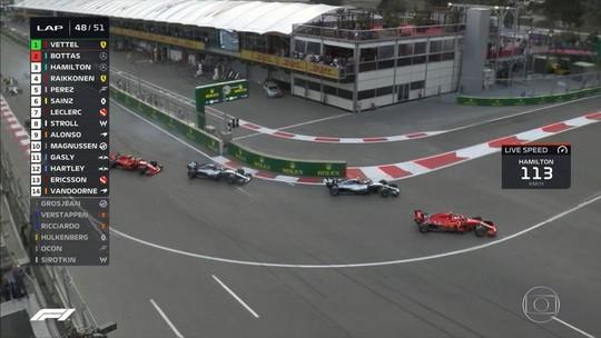 """""""Tinha que tentar"""", diz Vettel sobre manobra frustrada que custou liderança do Mundial"""