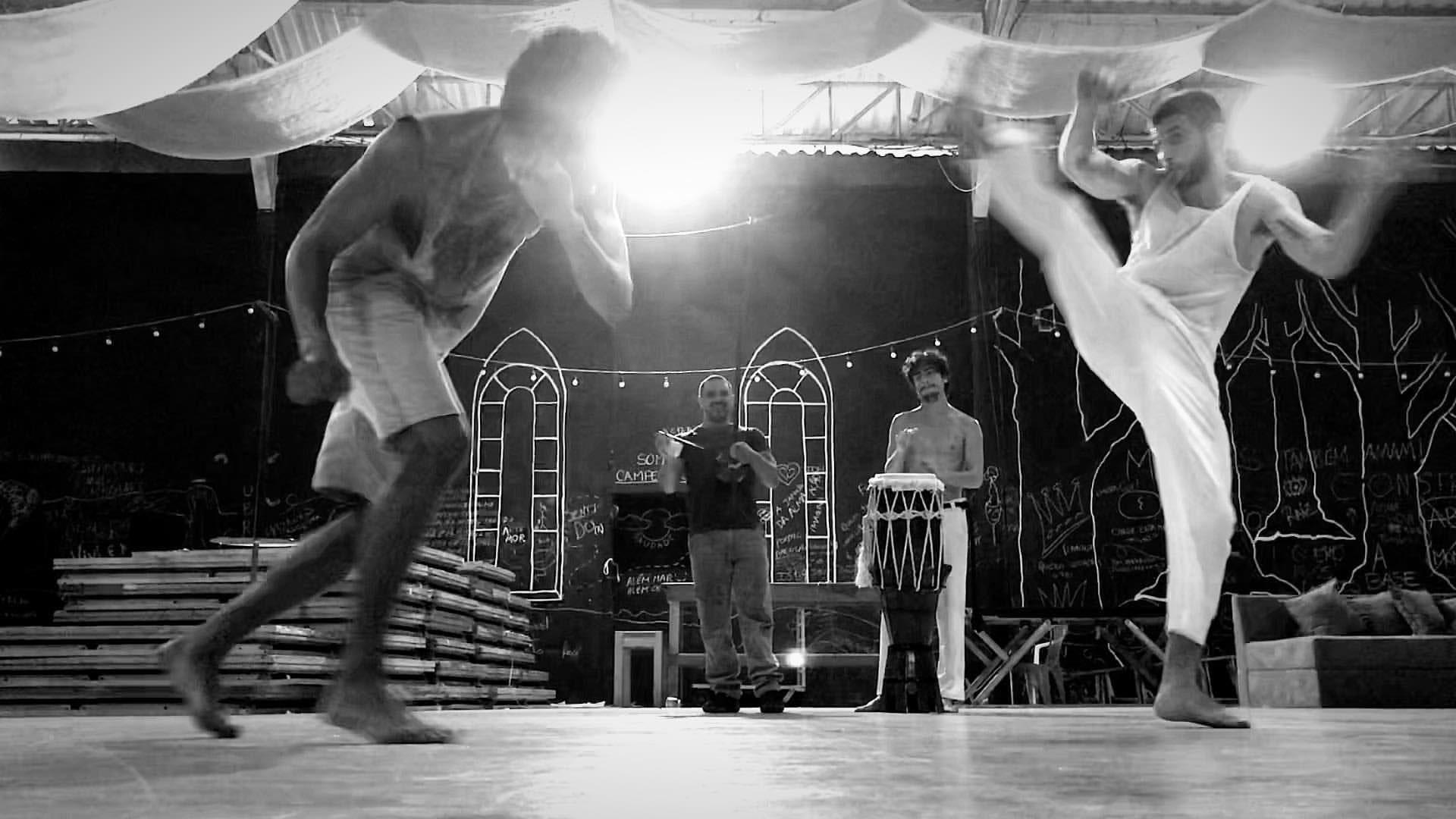 Chay Suede treinando capoeira (Foto: Reprodução/Instagram)
