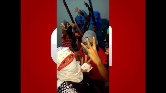 Polícia Civil do RN tenta descobrir quem são jovens que exibem armas e fazem ameaças em vídeo