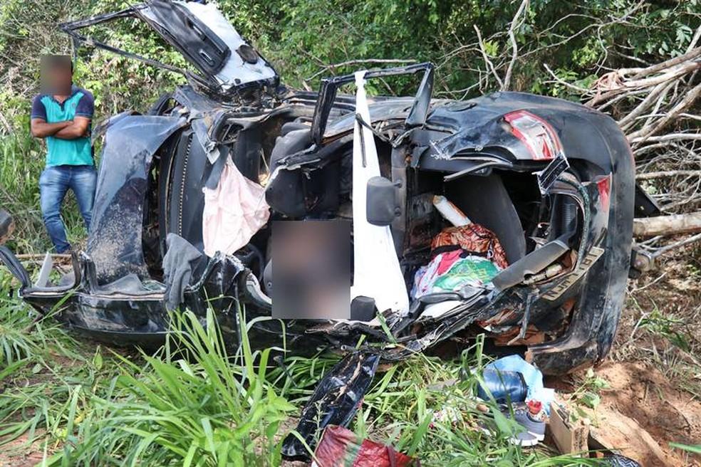Uma mulher morreu e outras quatro pessoas ficaram feridas em um capotamento na MT-249, próximo ao município de Nova Mutum — Foto: Alecsander Coelho