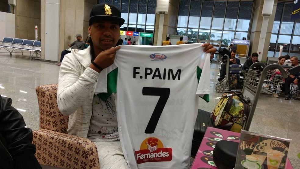 Chegada de Fábio Paim ao Rio para disputar a quarta divisão do Carioca (Foto: Marcelo Fernandes de Souza/Paraíba do Sul FC)