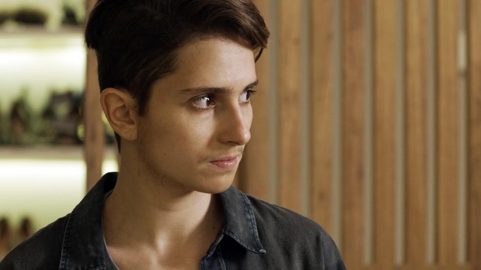 Ivana começa a tomar hormônios — Foto: TV GLOBO
