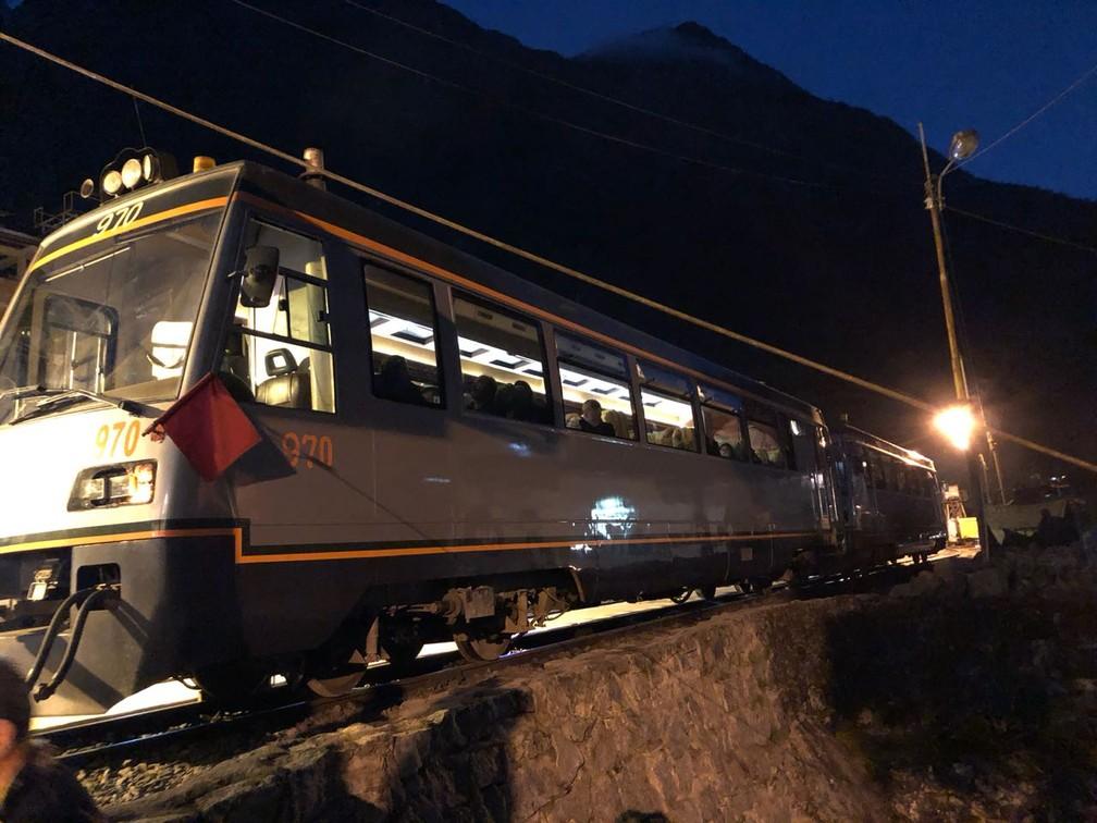 Trem parado em Macchu Pichu, no Peru (Foto: Marcelo Carloni/TV Diário)