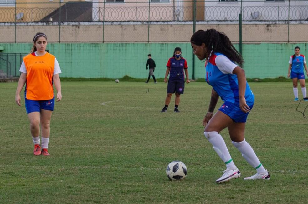 Ludmilla concilia a agenda musical com os treinos no Centro de Futebol Zico (CFZ) — Foto: Amanda Martins