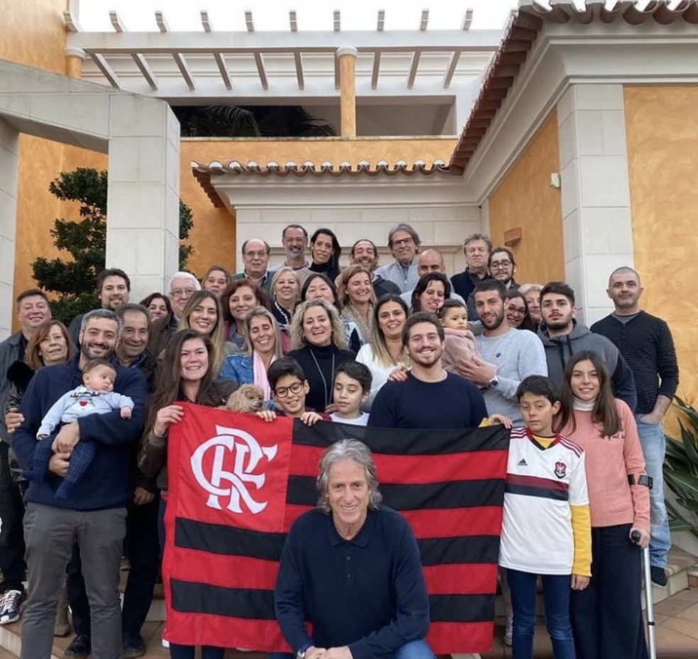 Jorge Jesus com seus familiares em almoço de despedida — Foto: Reprodução