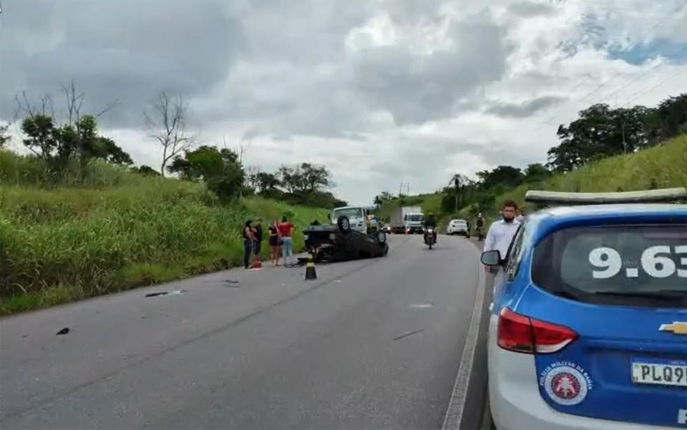 Dois dos três feridos precisaram ser encaminhados a hospitais — Foto: Reprodução/TV Bahia
