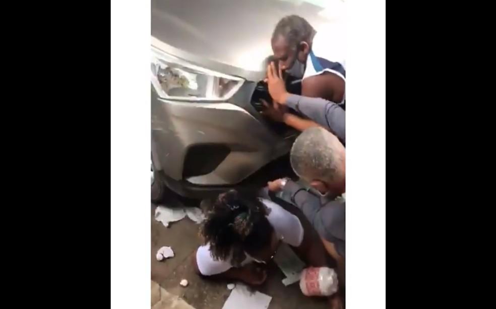 Mulher é atropelada em posto de vacinação em São Sebastião do Passé — Foto: Reprodução/Redes Sociais