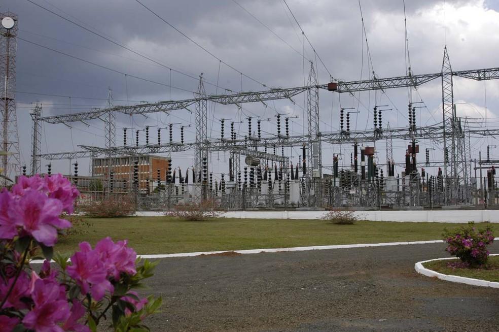Copel retomou cortes de energia elétrica, por falta de pagamento da conta, em 16 de agosto — Foto: Agência Estadual de Notícias