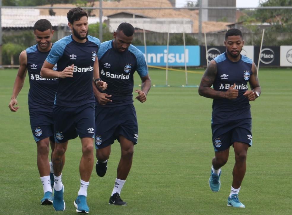 Grêmio quer ficar com Juninho Capixaba e pode abrir mão de Marinho — Foto: Eduardo Moura