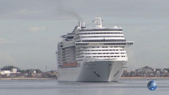 Primeiro navio da temporada de cruzeiros marítimos chega a Salvador com mais de 4 mil turistas