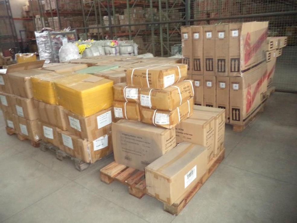 Produtos que vão ser leiloados pela alfândega da Receita Federal em Itajaí (Foto: Receita Federal/ Divulgação)