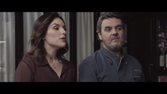Cassio Gabus Mendes e Kéfera Buchmann estrelam 'Gosto se discute'; veja cena