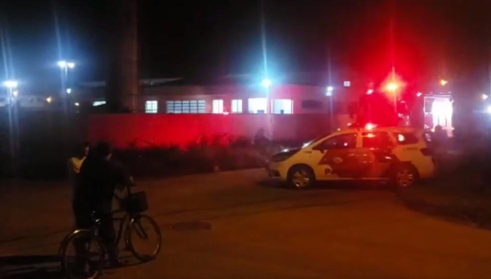 Polícia Militar foi acionada após funcionário desaparecer e vítima foi encontrada dentro da caixa d'água em Itanhaém, SP — Foto: Reprodução/Top Litoral