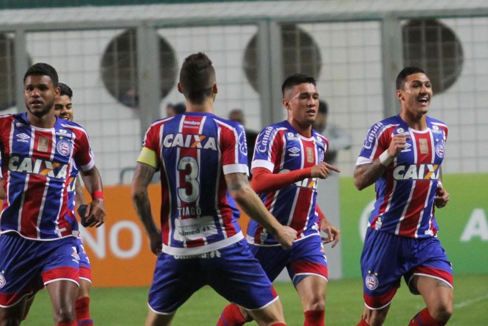 Atlético-MG x Bahia Juninho gol (Foto: Agência Estado)