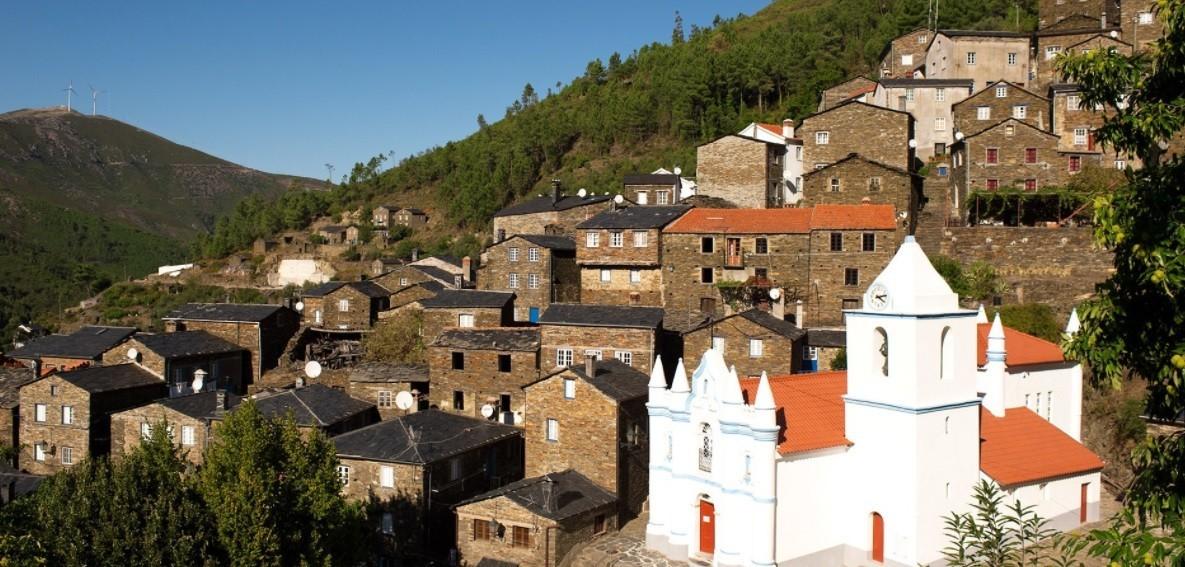 A aldeia remota de Piódão, em Portugal