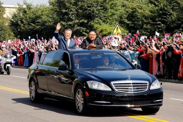 Mercedes-Benz  (Foto: Pyeongyang Press Corps/Pool via Reuters)