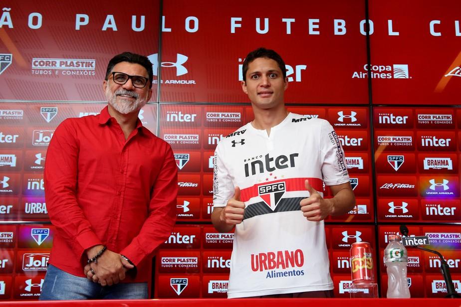 Anderson Martins é apresentado no São Paulo: