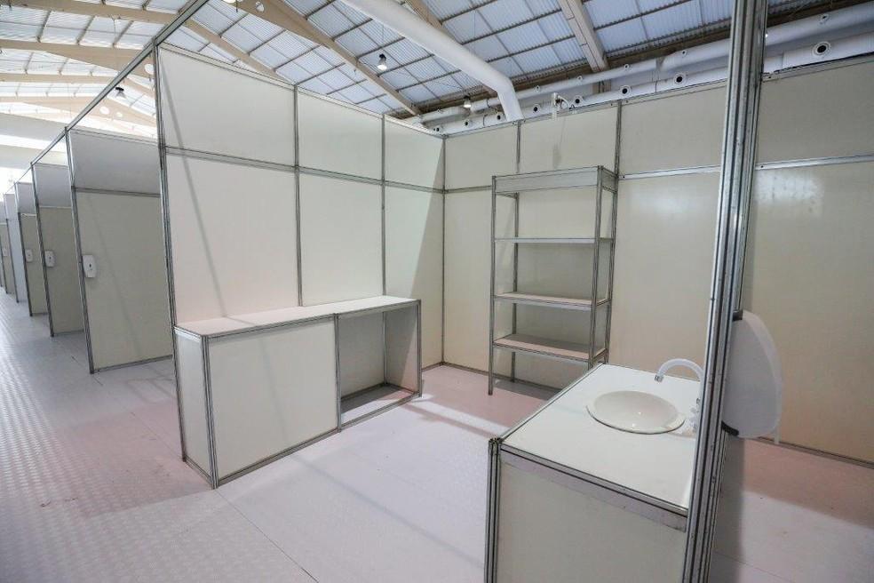 Hospital de campanha foi montado no Centro de Convenções e vai funcionar temporariamente — Foto: Márcio Ferreria - Secom
