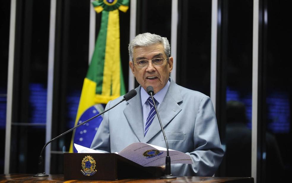 O senador Garibaldi Alves Filho (PMDB-RN) discursa na sessão da votação do processo de impeachment da presidente Dilma no Senado, em Brasília (Foto: Marcos Oliveira/Agência Senado)