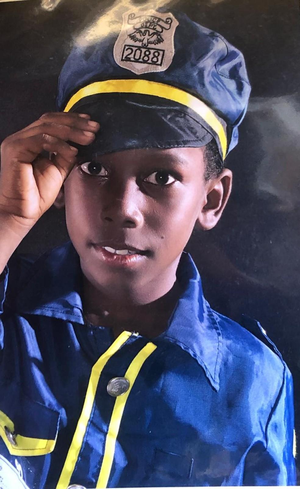 Lorran, de 11 anos, teve a perna amputada e está em coma após ser ferido com linha chilena em Visconde do Rio Branco — Foto: Jéssica Luana dos Santos/Arquivo pessoal