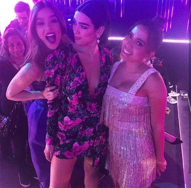 Anitta, Dua Lipa e Hailee Steinfeld (Foto: Reprodução / Instagram)