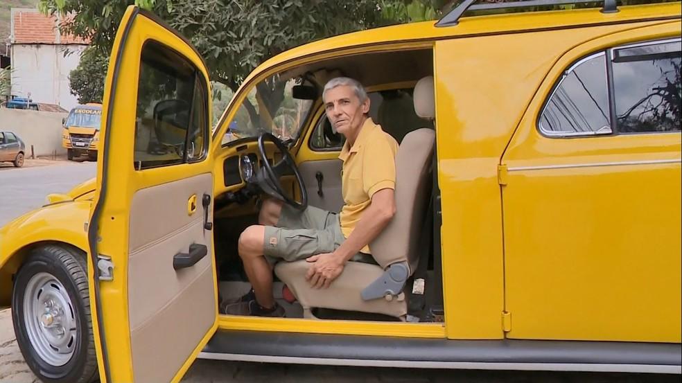 Seu Lúcio adaptou o carro em três anos, em Castelo (Foto: Matheus Martins/TV Gazeta)