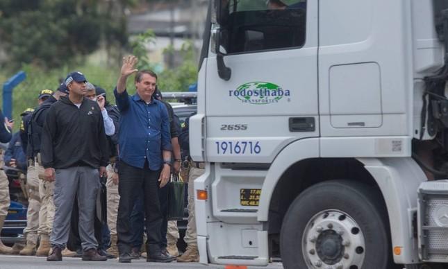 Bolsonaro acena para caminhoneiros: greve não era o perigo