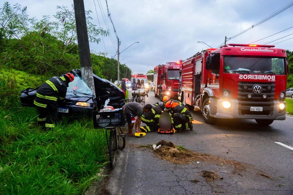 Casal morre em grave acidente em São Vicente, SP — Foto: Marco Aurélio