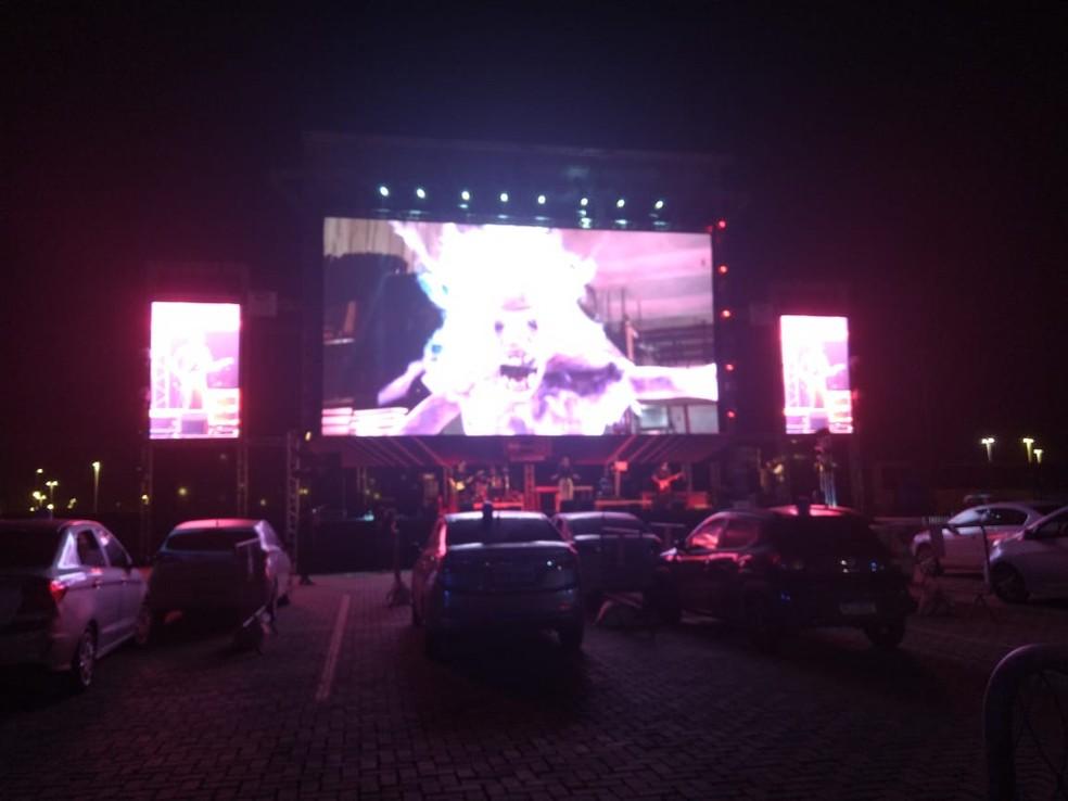 Inauguração contou a presença de muitos carros — Foto: Danutta Rodrigues / TV Bahia