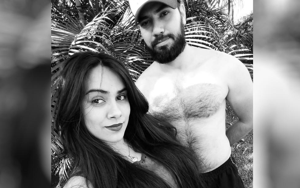 João Carlos dos Reis Arantes é suspeito de matar a namorada Mônica Gonzaga Bentavinne (Foto: Reprodução/Facebook)
