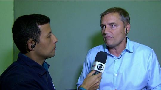 """Para Petros, São Paulo está jogando como """"times uruguaios, argentinos""""; Aguirre quer atacar mais"""