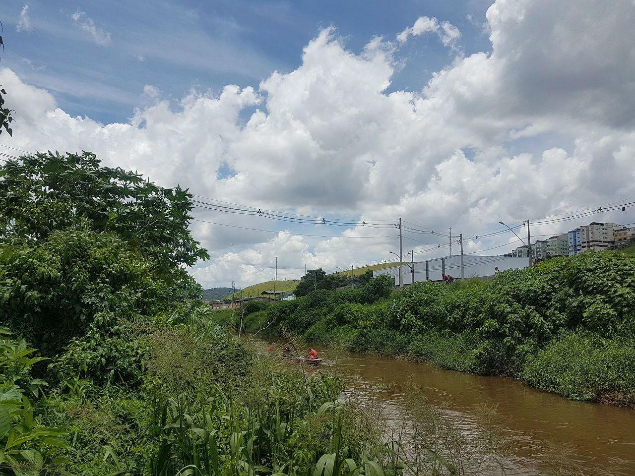 Bombeiros encerram buscas por corpo de advogado jogado no Rio Paraibuna em Juiz de Fora