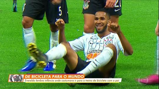 """Por mais """"bicicletinhas"""": em nova chance, Everaldo tenta aumentar finalizações certas no Corinthians"""