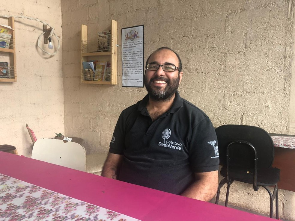 Renato Rocha, fundador do coletivo DedoVerde.  — Foto: Beatriz Magalhães/G1