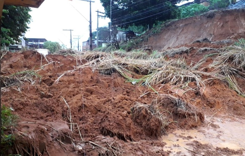 Em Muriaé, foram registrados deslizamentos e inundações — Foto: Defesa Civil/Divulgação