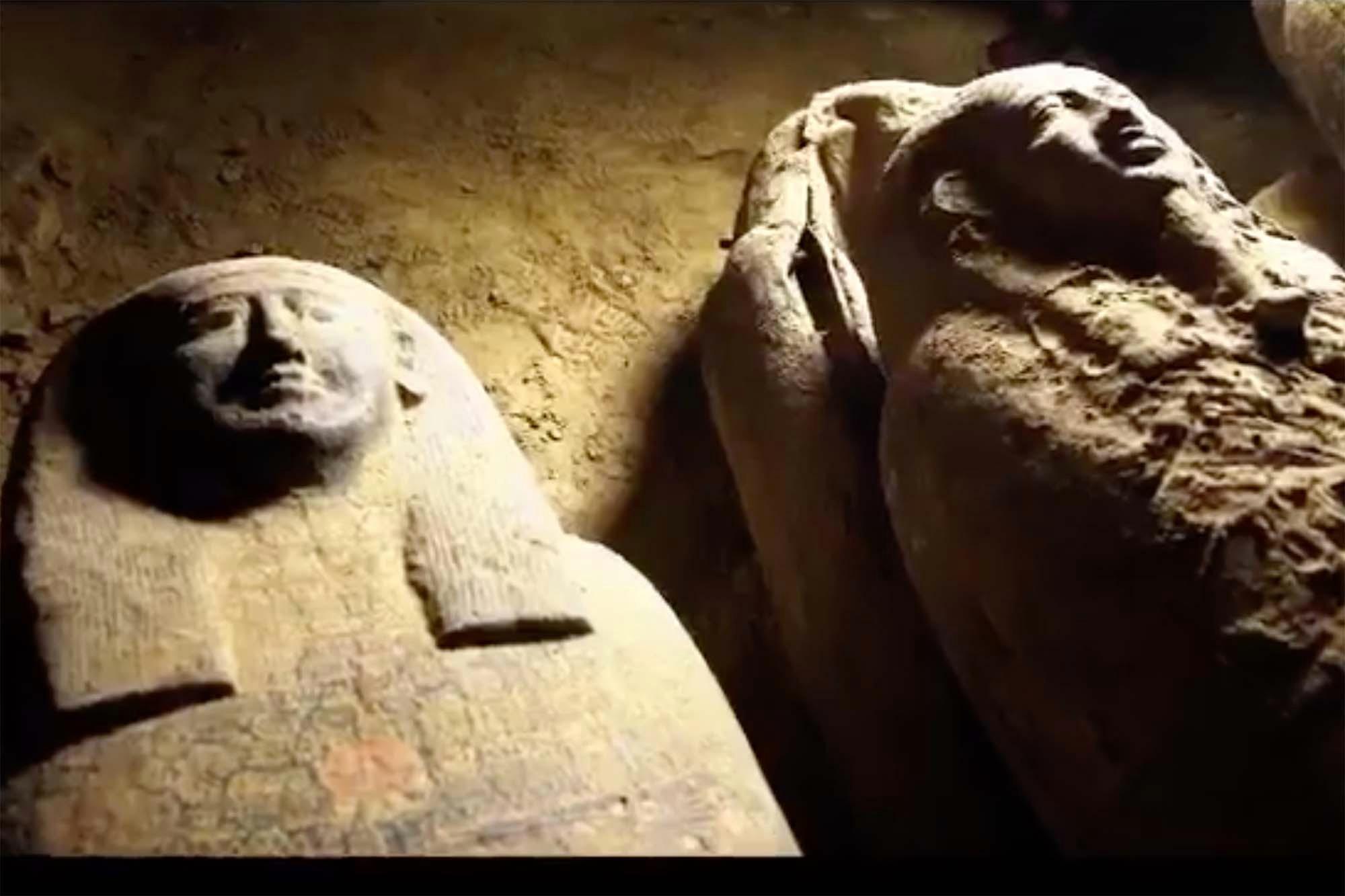 Múmias de 2.500 anos encontradas no Egito (Foto: Reprodução?NY Post)
