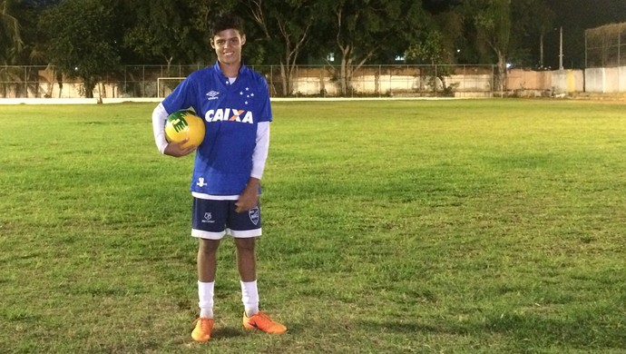 Cauê Alex - jogador base do Cruzeiro (Foto: Luiz Henrique/GloboEsporte.com)