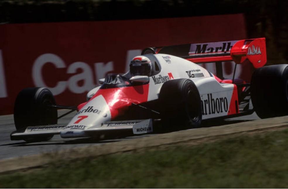 Alain Prost foi o segundo na África do Sul, em 1984, após largar dos boxes — Foto: Getty Images