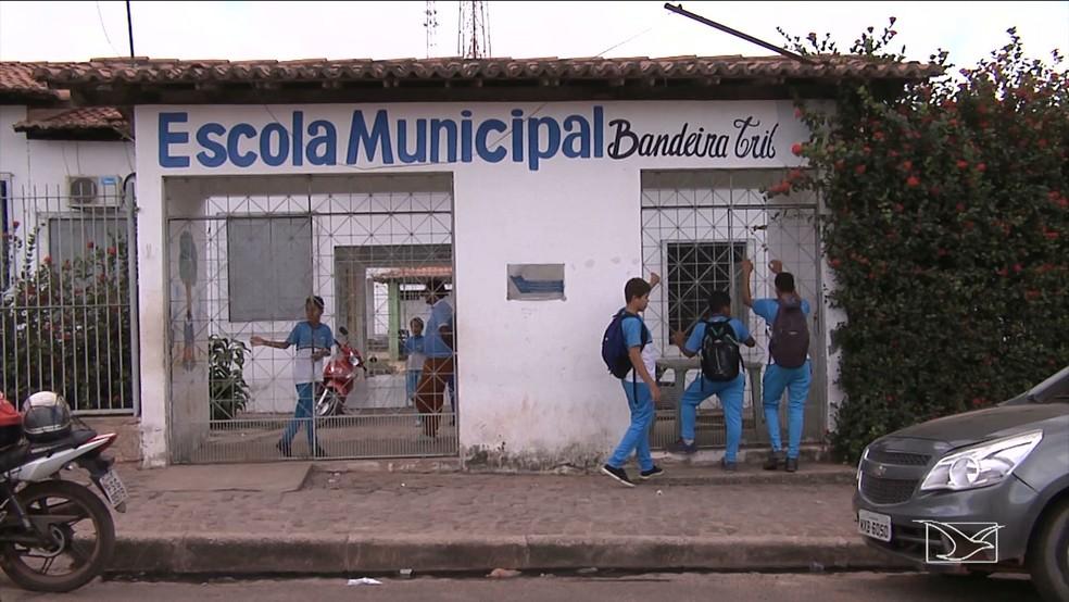 Alunos da rede muncipal de Santa Inês foram alertados sobre greve. (Foto: Reprodução/TV Mirante)