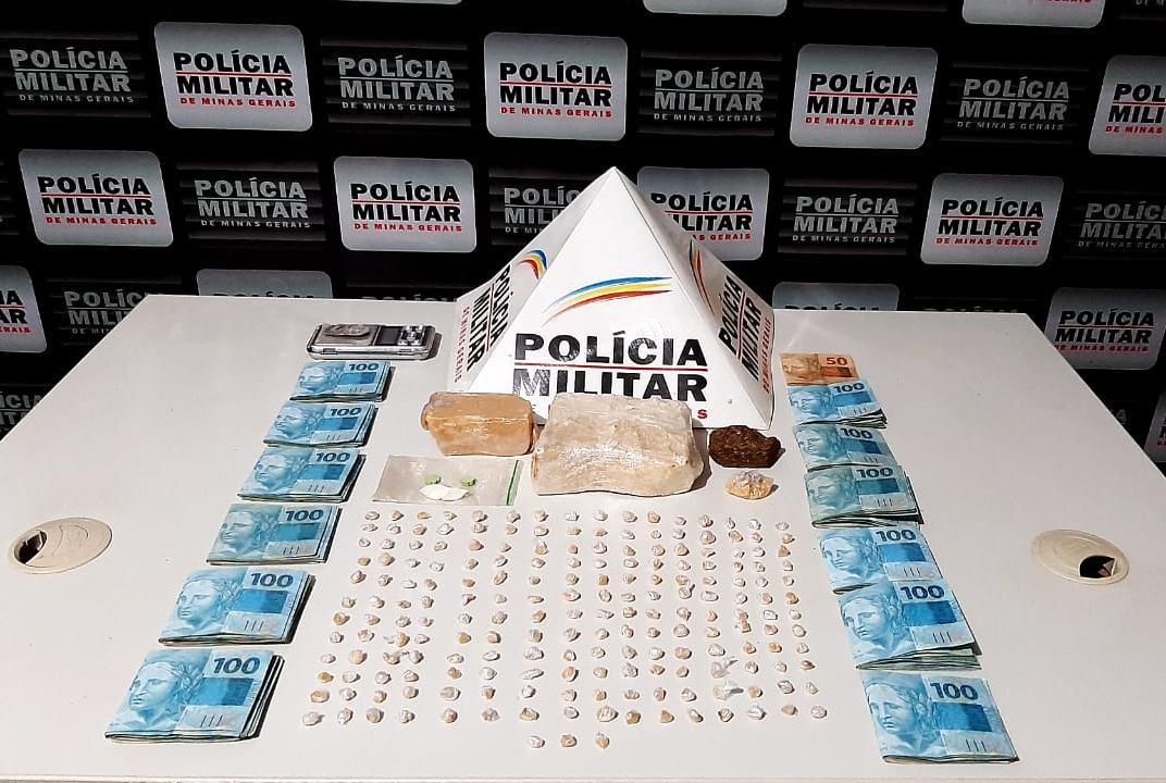 Jovem é presa com mais de R$ 12 mil e centenas de pedras de crack em Patrocínio