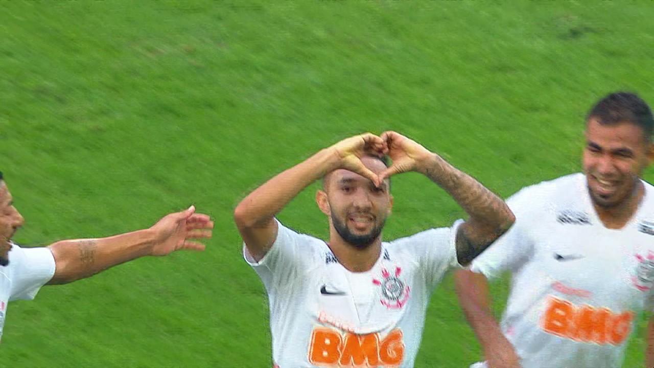 No ano passado, o Timão fez 2 a 1 no Santos na ida