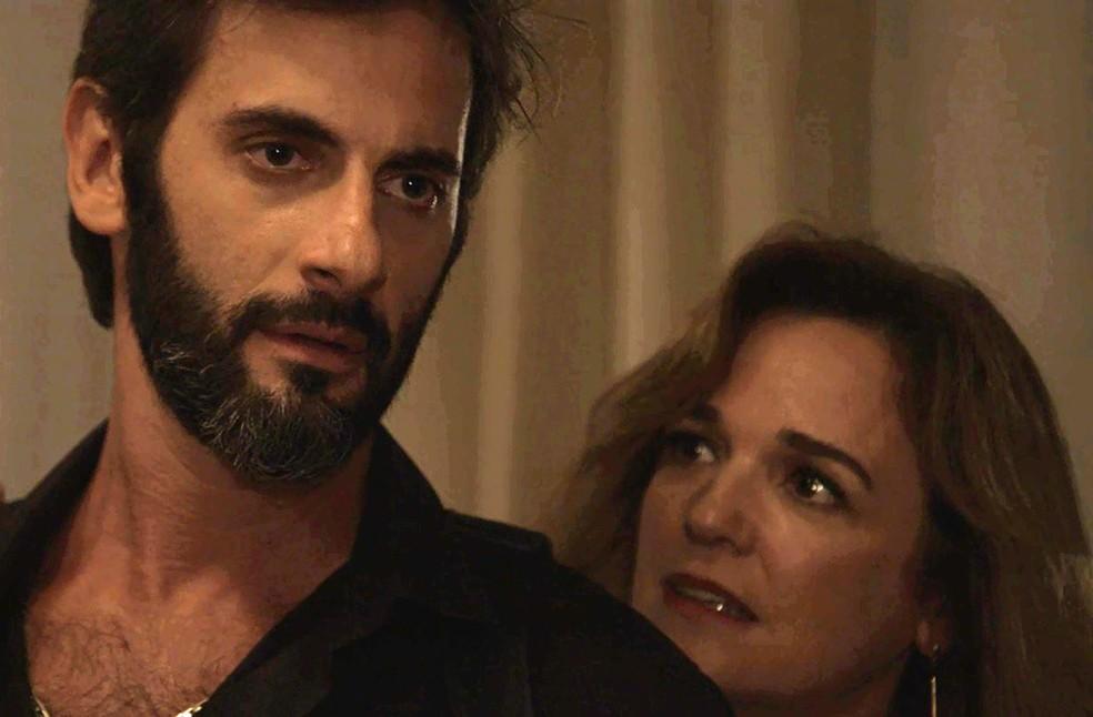 Vincius reprova a unio dos dois Foto TV Globo