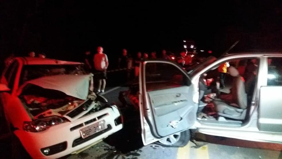 Acidente entre quatro veículos deixou sete pessoas feridas na BR-070 — Foto: Corpo de Bombeiros de Mato Grosso/Assessoria
