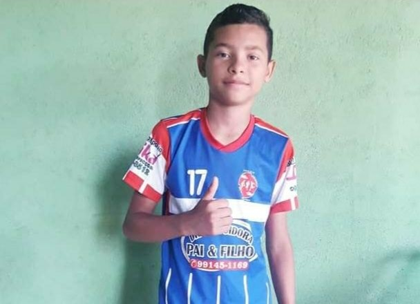 Continuam buscas a adolescente de 13 anos que desapareceu após naufrágio no Rio Amazonas, em Óbidos